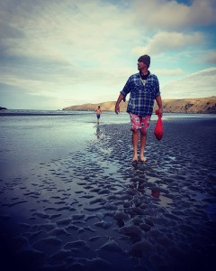 Collecting shellfish at Okains Bay EatNZ