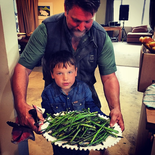 Team work on the asparagus cooking last night! Thanks for all your help @cuisinefortune!