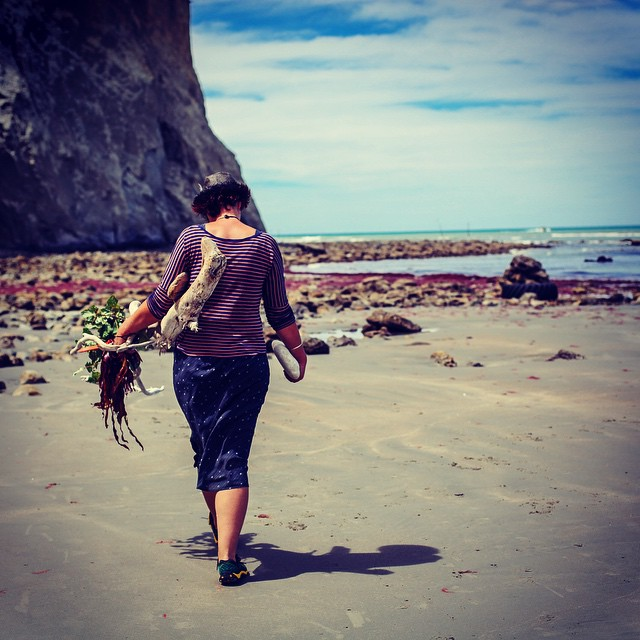 Reminiscing as I go through some fabulous photos of #Forage #NorthCanterbury taken by the talented @nayhauss. Especially love this one of my friend & chef Kate. It's a view I have of her so often, eyes peeled & arms full. ❤️